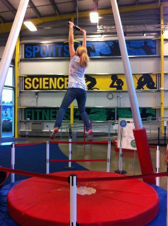 Carnegie Science Center: Highmarks Sport Centre - Human yo-yo