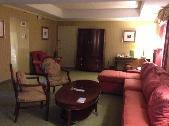 DoubleTree Suites by Hilton Hotel Philadelphia West: Living room