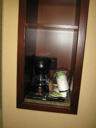 Hampton Inn by Hilton North Bay: coffee maker