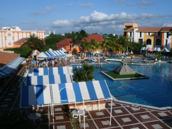 Hotel Cozumel and Resort: view from my balcony