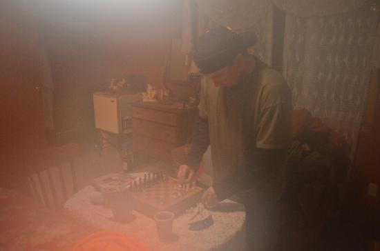 Strawberry Bed and Breakfast: Setting up the chess board