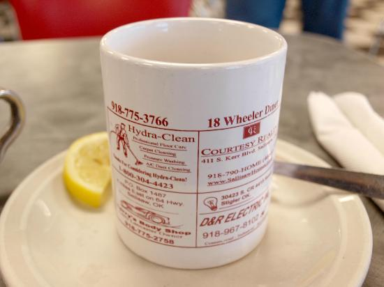 18 Wheeler Diner: Phone number on cup