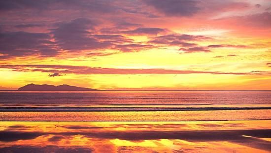 Waihi Beach Lodge: Sunset at the beach - image Mike Hill