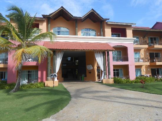 Punta Cana Princess All Suites Resort & Spa: Building 5