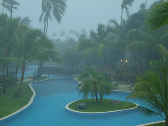 Dreams Punta Cana Resort & Spa: Rain does fall
