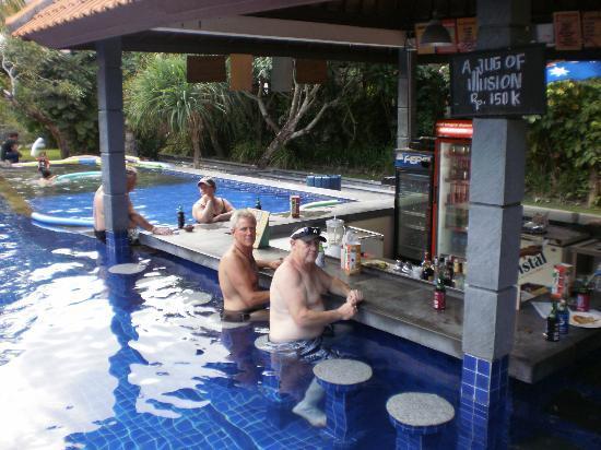 Garden View Resort: Pool Bar