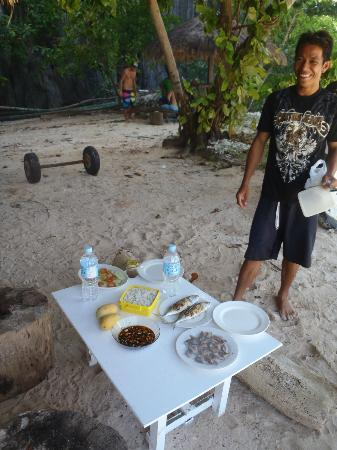 El Nido Viewdeck Inn: Get the Lunch on Beach package when Island hoping!!