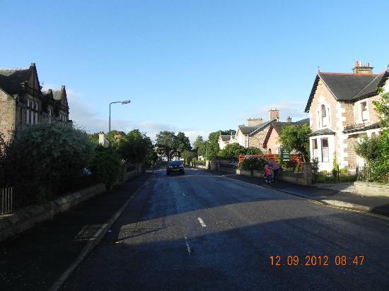 Inverglen Guest House: Guesthouse street
