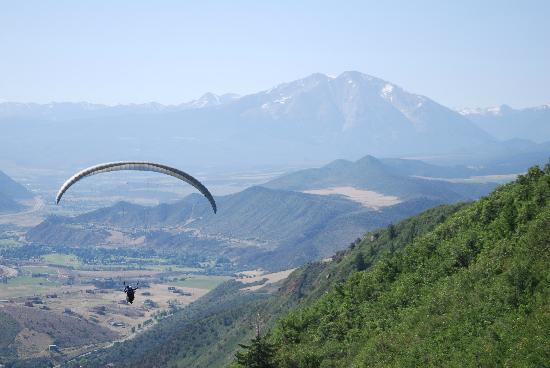 Adventure Paragliding: Mt. Sopris is a fabulous backdrop for this fantastic adventure