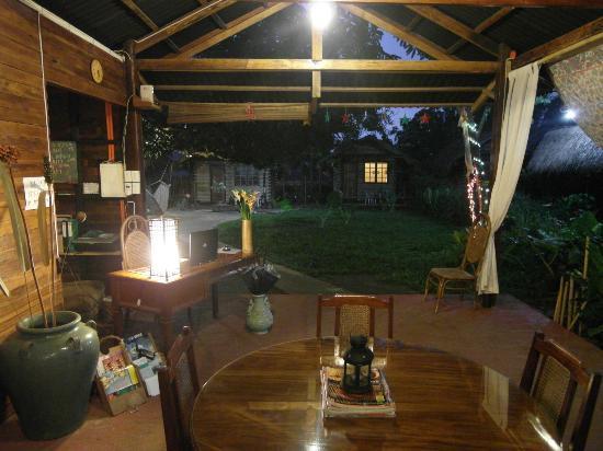 Subli Guest Cabins: reception area