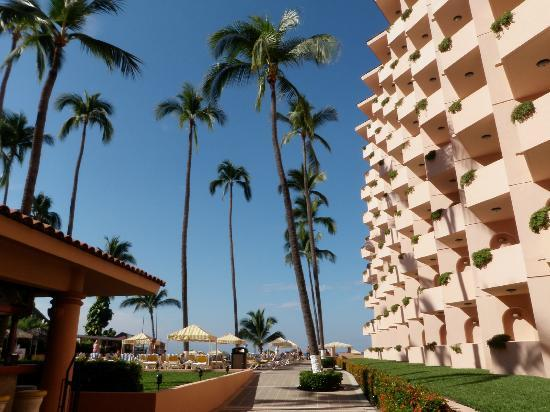 Crown Paradise Golden Resort Puerto Vallarta: The resort