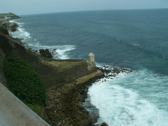 Tres Palmas Inn: Vista desde Castillo San Cristobal