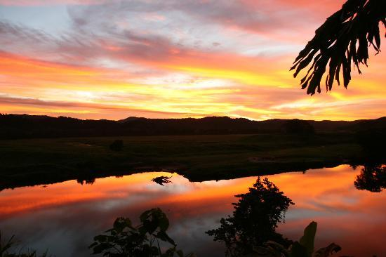 Daintree Village Bed and Breakfast: Daintree Village B&B Sunset
