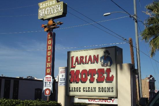 Larian Motel: Cozy, Comfy, Clean and Friendly People