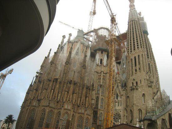Enchanting Barcelona Day Tours: Sagrada Família Temple, Barcelona.