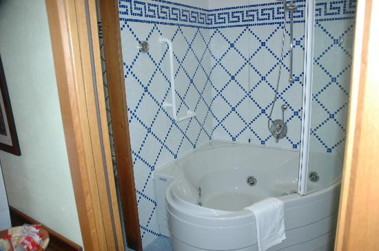 Hotel Ilaria: Tower Suite Bathroom