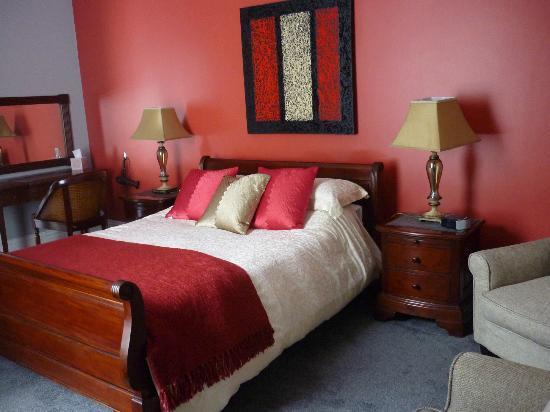Upper Mount House Hotel: Room 8 bedroom