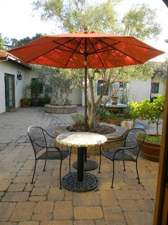 Su Nido Inn (Your Nest In Ojai): courtyard