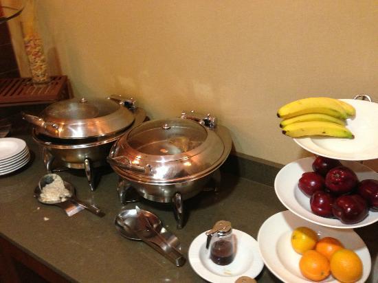 شيراتون إديسون هوتل: breakfast