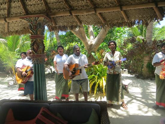 Navutu Stars Fiji Hotel & Resort: Our farewell :-( sung to us by Grace, Samu and staff