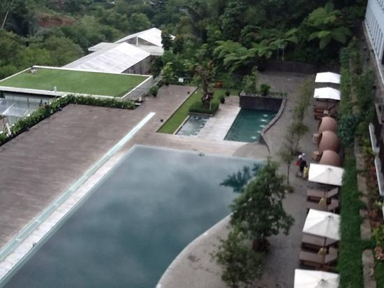 Padma Hotel Bandung: 3 types of swimming pools at Padma Hotel