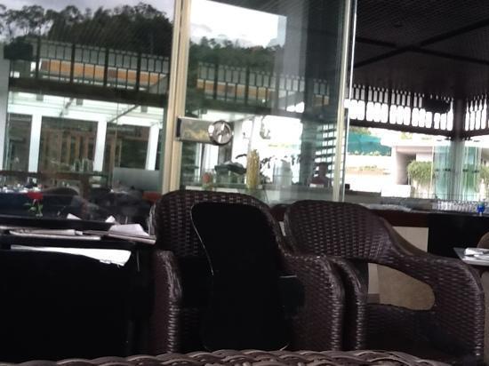 โรงแรมพัดม่า บันดุง: Padma Hotel Restaurant