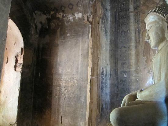 Min Thu Horse and Cart Tour: Serene Buddha