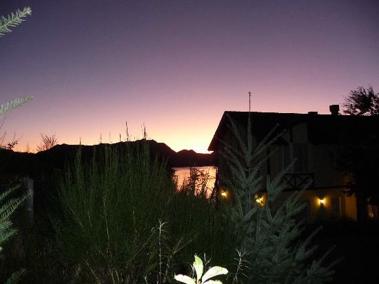 Hosteria Le Lac: Atardecer