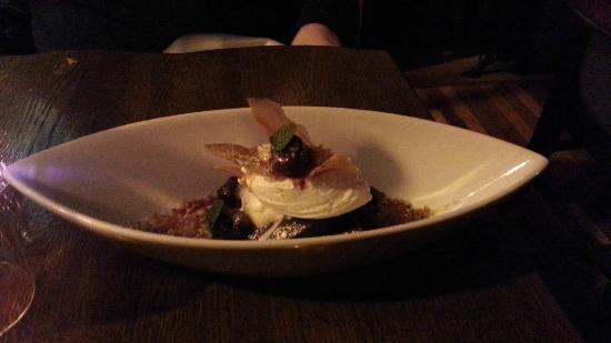 Ruxbin Kitchen: Brownie Sundae