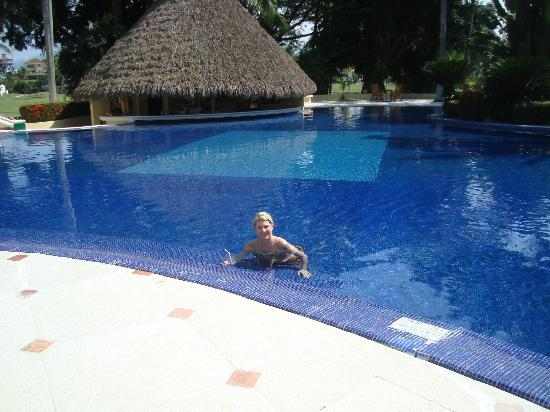 Casa Velas: Pool, swim up bar and me, heated pool.
