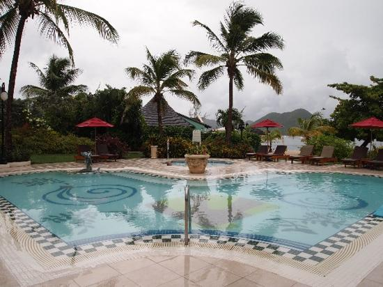 Sandals Grande St. Lucian Spa & Beach Resort: pool