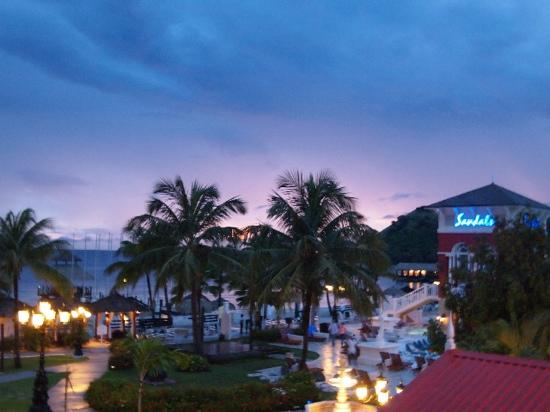 Sandals Grande St. Lucian Spa & Beach Resort: night lights