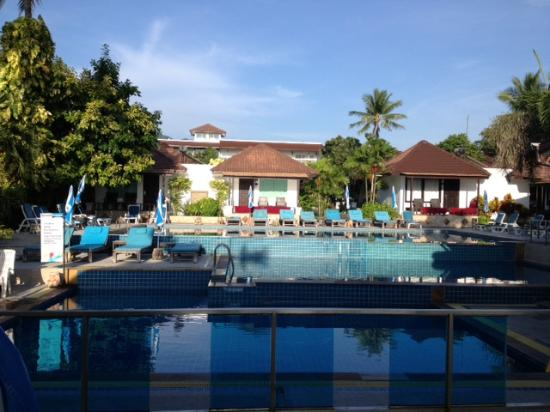 Chaweng Cove Beach Resort: The pool