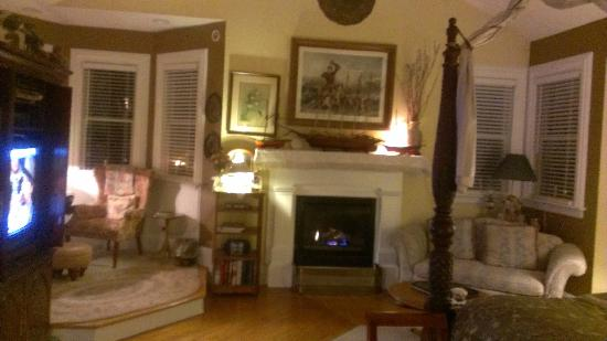 H. S. Clay House B & B and Guest Cottaage: Cozy Suites