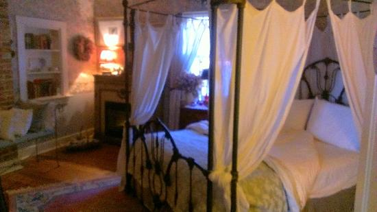 H. S. Clay House B & B and Guest Cottaage : Beautifuly decorated rooms