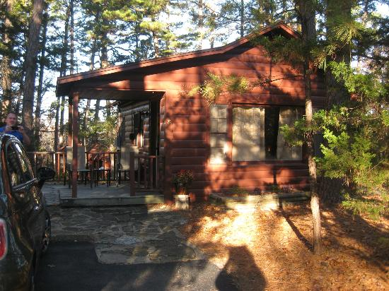 Tall Pines Inn: Cabin #8