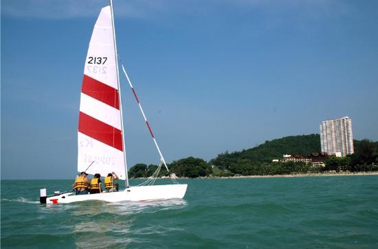 East Wind Watersports : sailing