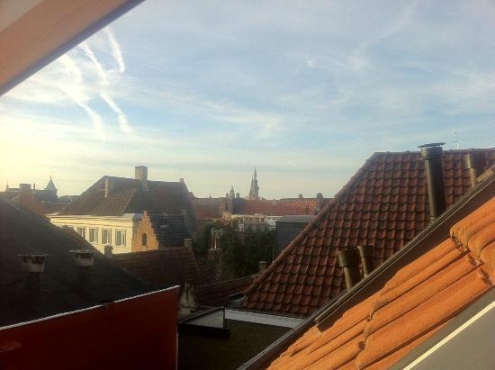 リヴィアズルックス ベッドアンドブレックファースト ブリュージュ, 天窓から眺めるブルージュの町並みは最高