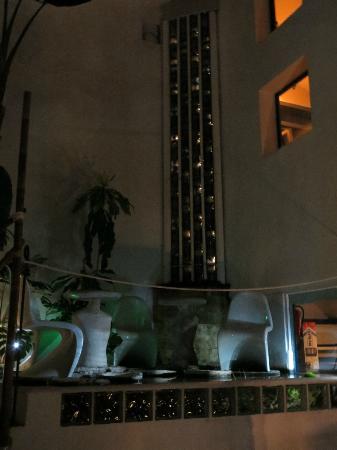 Hotel Enfrente Arte: Inner court