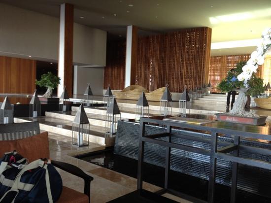 Crowne Plaza Phuket Panwa Beach: lobby lounge