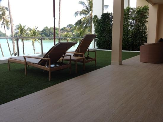 Crowne Plaza Phuket Panwa Beach : huge balcony