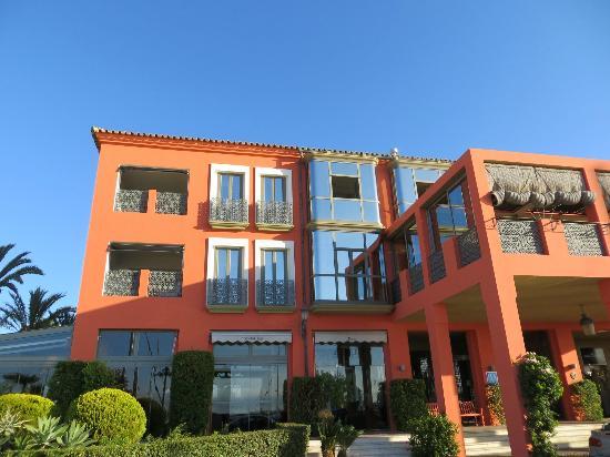 Club Maritimo de Sotogrande: Water front of the hotel