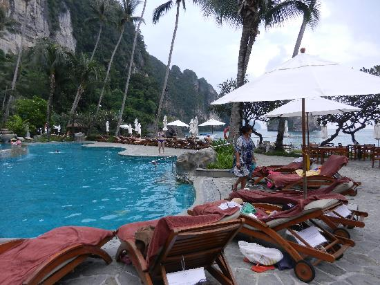 Centara Grand Beach Resort & Villas Krabi: pool area