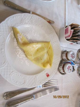 Palazzo Paruta: Delicious! Crepes made to order.