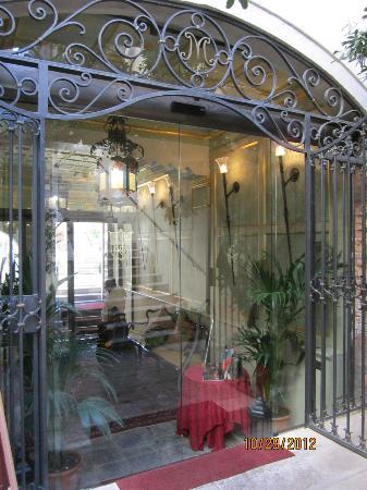Palazzo Paruta: Entrance