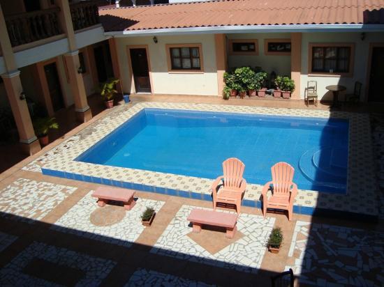 Hotel Yolaina: Poolside