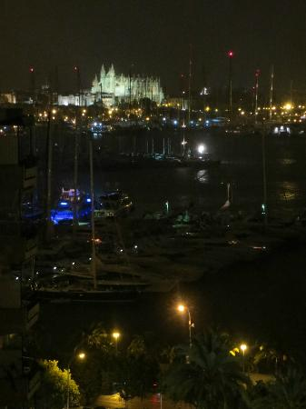 Gran Melia Victoria: View from the room at night