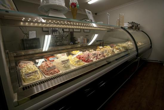 Nonna's Gelateria: Two large 16 Flavour cabinets - 32 Flavours available everyday