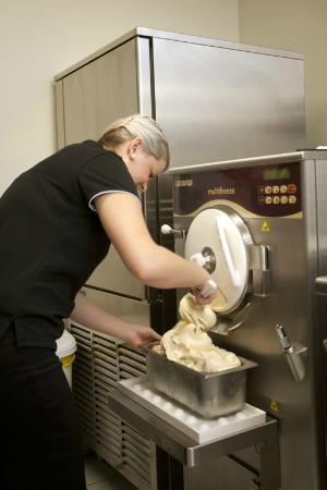 Nonna's Gelateria: Our Gelato being made fresh on our premises