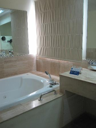 Grand Palladium Jamaica Resort & Spa: jet tub